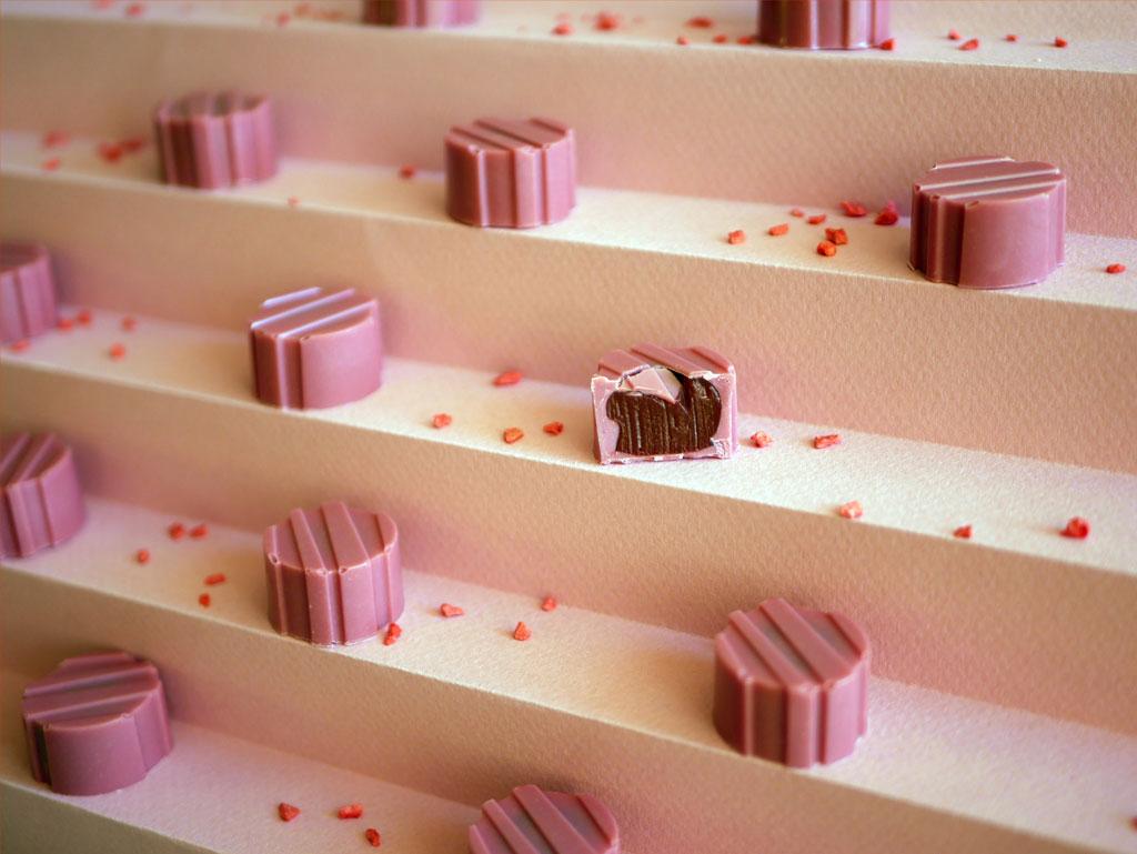 פרלין שוקולד רובי ופירות יער