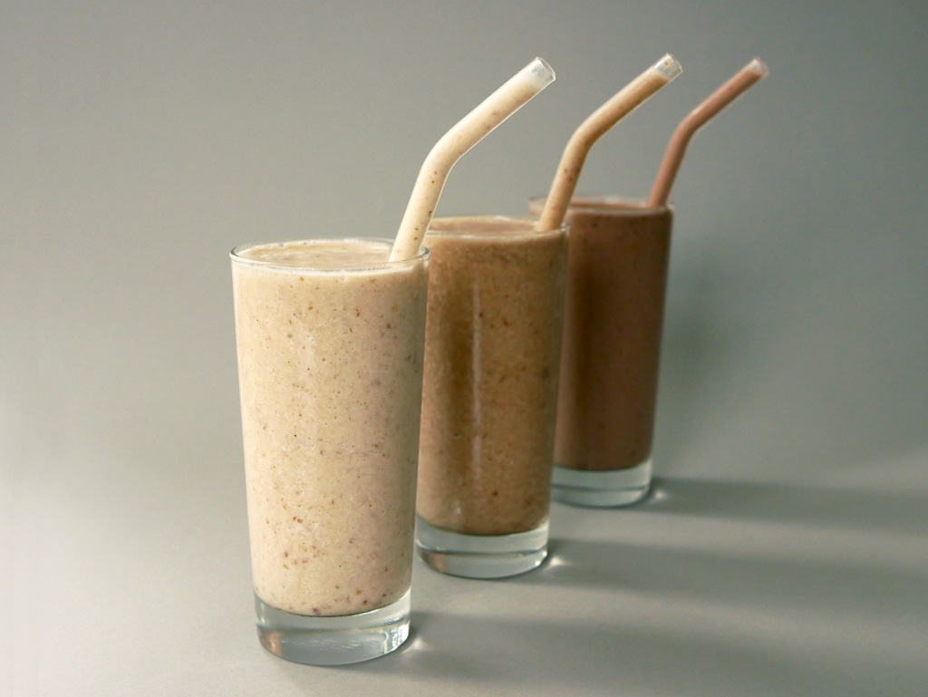 Coffee Smoothie / Peanut Butter & Chocolate Smoothie / Cinnamon-Banana Smoothie
