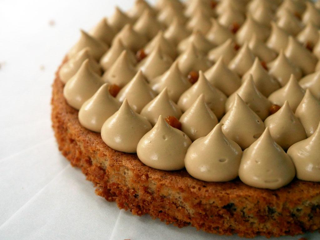 עוגת אגוזי לוז ושנטילי קפה