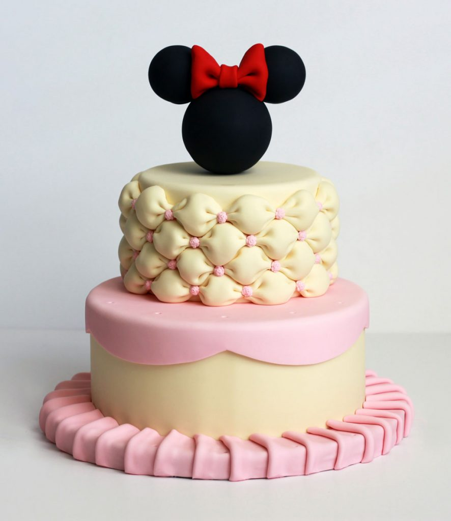 Minnie Mouse cake pops stand