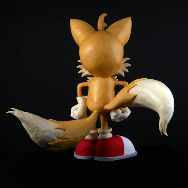 Tails' back