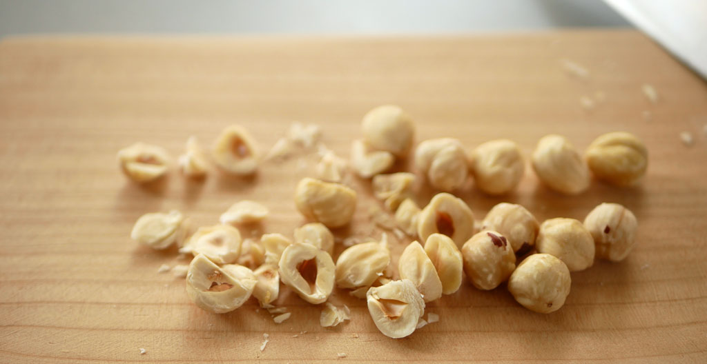 קיצוץ אגוזי לוז